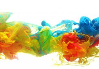 Nuage de peinture colorée